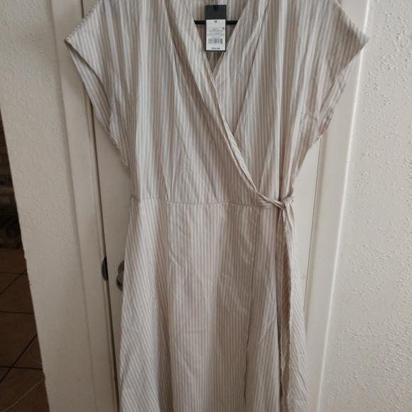 Mossimo Supply Co. Dresses & Skirts - Mossimo Tan and White Stripe Wrap Dress